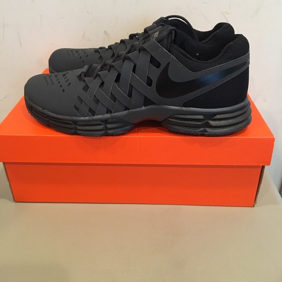 c5a4ebde377b Nike men s Lunar Fingertrap Cross Trainer New! M 5ad381b400450f5b9130ff6f